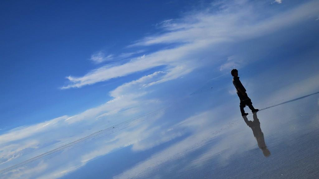 ウユニ塩湖に入場規制が!?将来ウユニ塩湖でトリック写真も撮れなくなる理由とは?