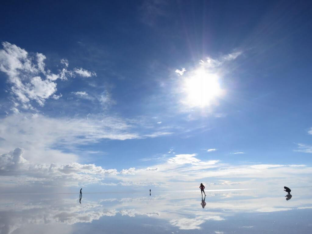 ウユニ塩湖 昼間 快晴 鏡張り