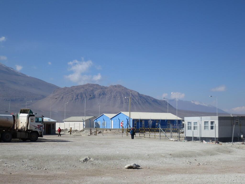 ボリビアとチリの国境越えは時間かかりすぎ!スタンプもバスも時間かかるわ!!