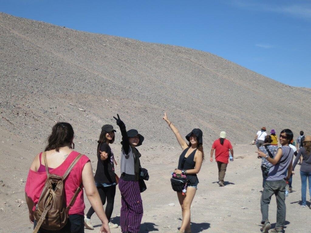 陽気なガイドといく死の谷トレッキング!死の谷は巨大な塩湖だった!?