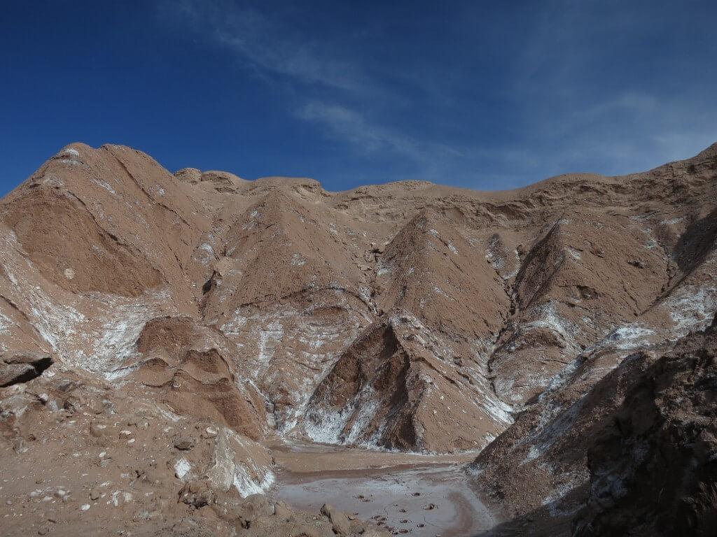 死の谷トレッキング 月の谷ツアー アタカマ チリ 塩の結晶