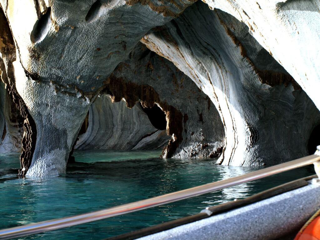 マーブルカテドラル cavernas-de-marmol プエルト・リオ・トランキーロ