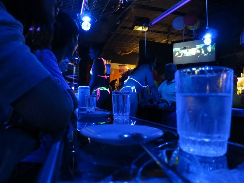 下着カフェ アンダーウェアカフェ Tバック 水着 サンティアゴ チリ