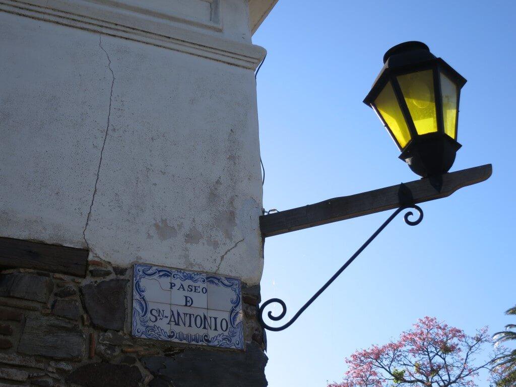 ウルグアイのコロニア・デル・サクラメントで闇両替の為にUSドルが必要
