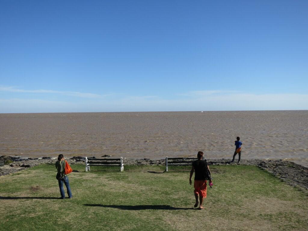 海が茶色 コロニア・デル・サクラメント ウルグアイ 観光 街並み