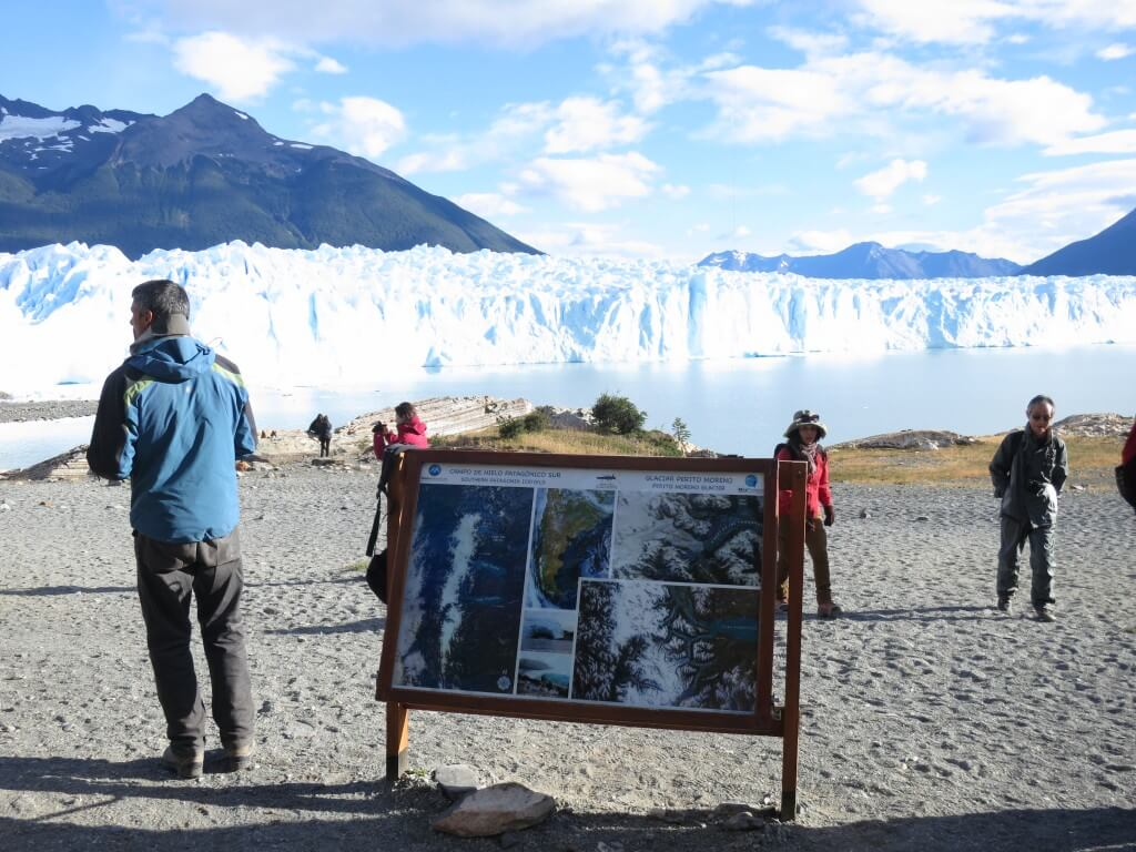 「ペリト・モレノ氷河」のミニトレッキング!アイゼンにクレパスにウイスキーオンザロック!