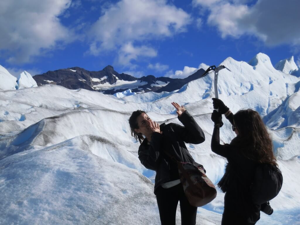 ピッケル 登る トレッキング ロス・グラシアレス公園 ペリト・モレノ氷河 パタゴニア