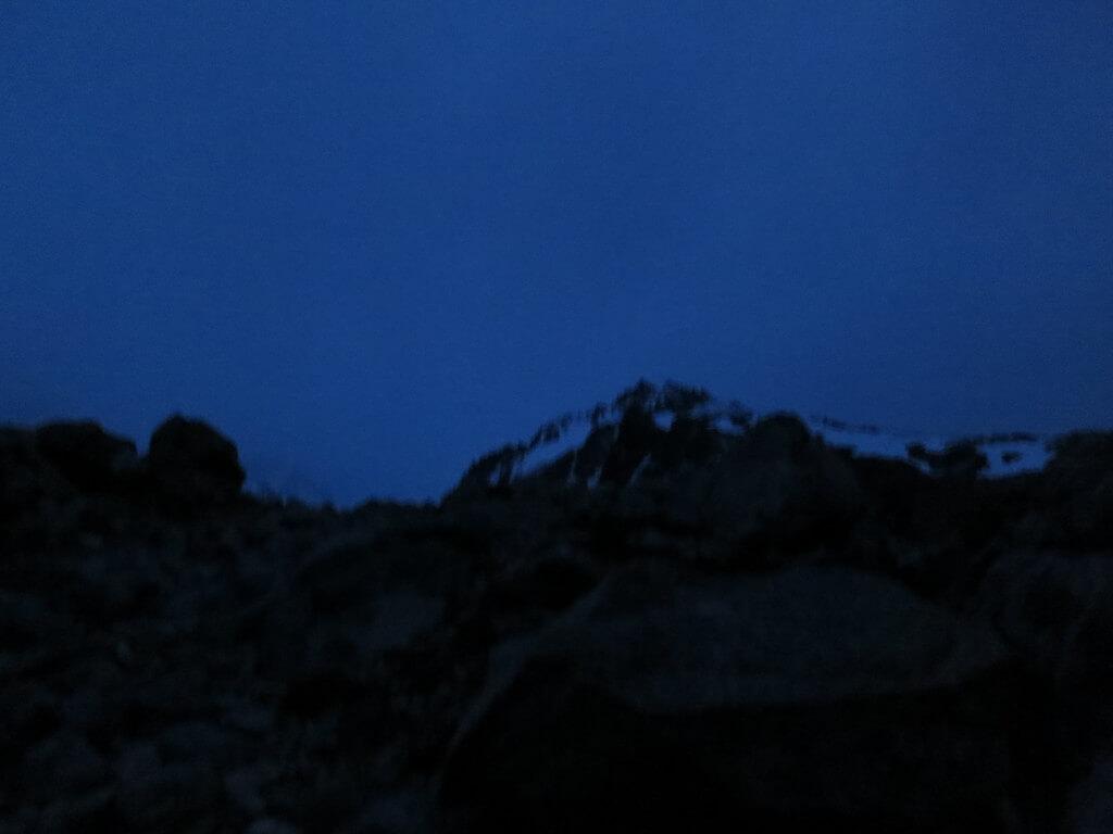 そんな中1時間半ほどかけて、休憩しながらついに「Lag de los Tres」湖に到着するも!?