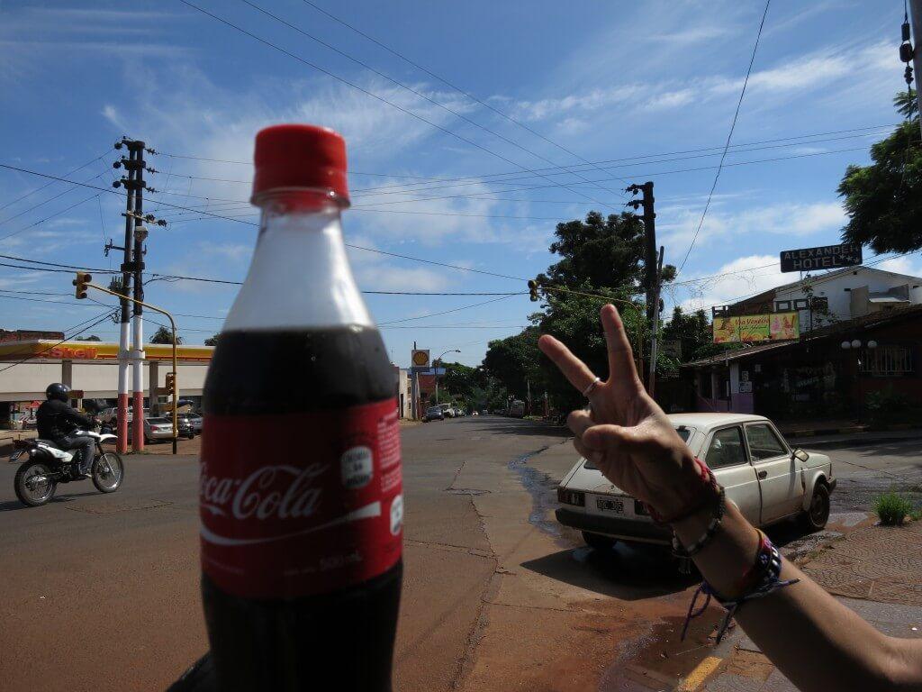 今日のコーラ アルゼンチン側のイグアスは居心地いいよ!