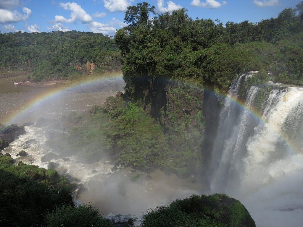 イグアスの滝 虹 アルゼンチン側