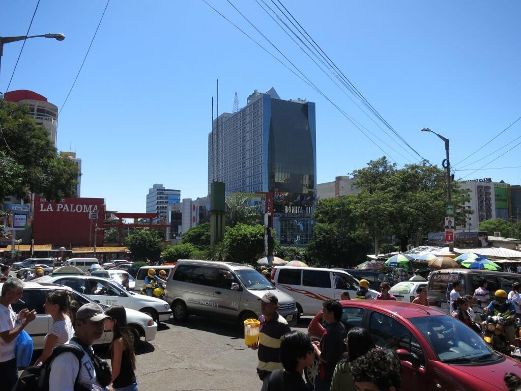 パラグアイに入国!イグアス居住区まで行くのは・・・41Kmを目標に!