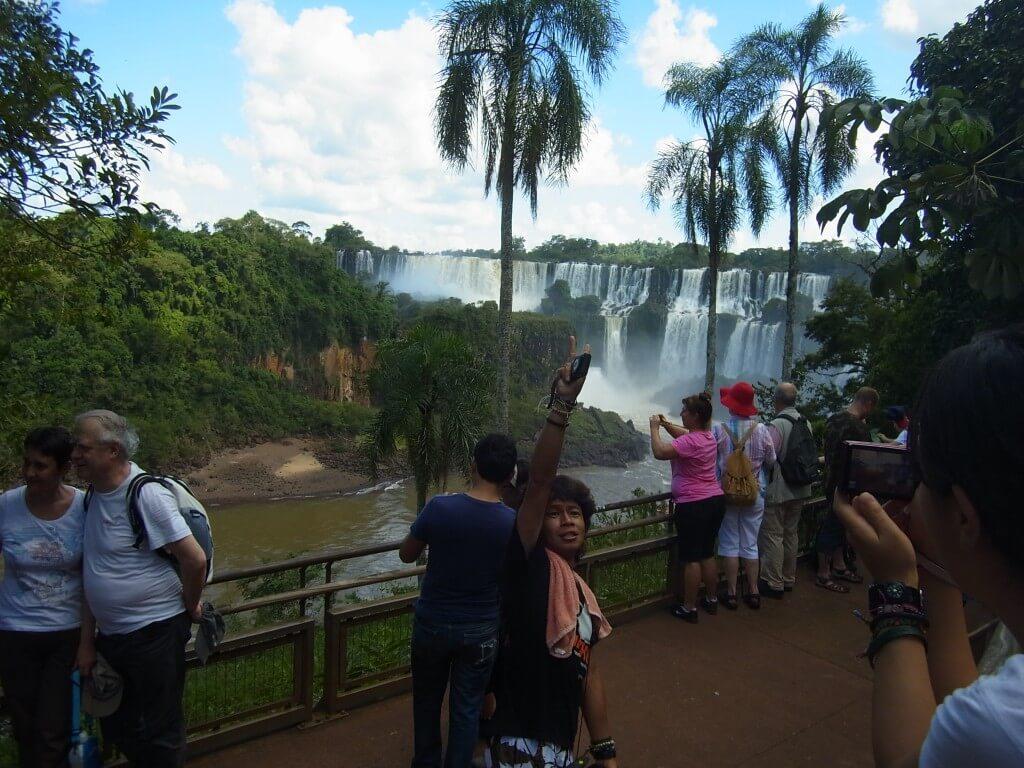 イグアスの滝 アルゼンチン側 滝がいっぱい