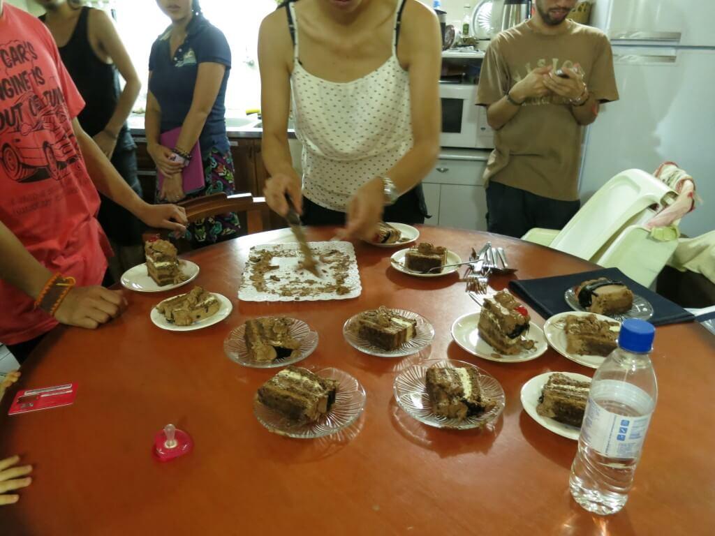 お誕生日の人は民宿らぱちょへ!上田夫妻から愛の篭ったケーキまで!!