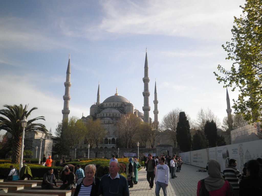 初めての海外旅行で絶対におすすめするひとり旅や女子も大満足の人々がフレンドリー&遺跡が美しいトルコ
