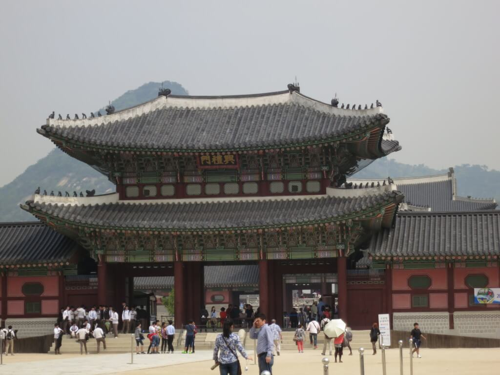 景福宮(キョンボックン)とは?観光ポイントはチマチョゴリを着た韓国女子と写真を撮る?