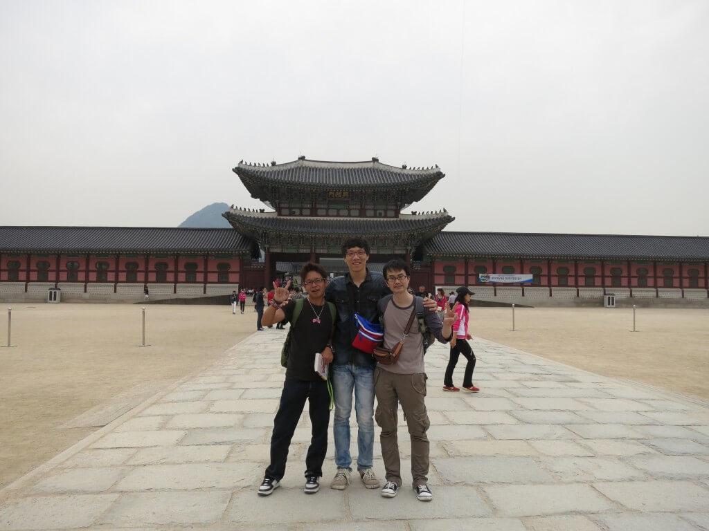 まとめ 韓国のソウルの観光で景福宮は運がいいとチマチョゴリの女の子たちと写真が撮れる