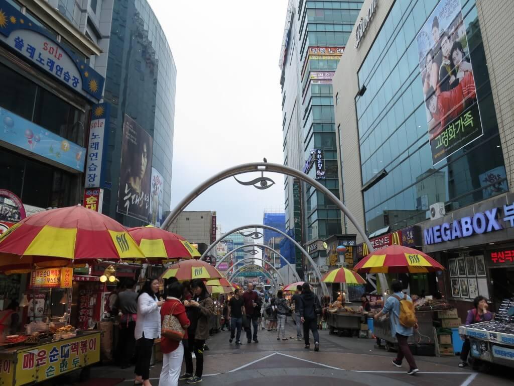 韓国人の友達に案内されての釜山のグルメでおすすめの国際市場