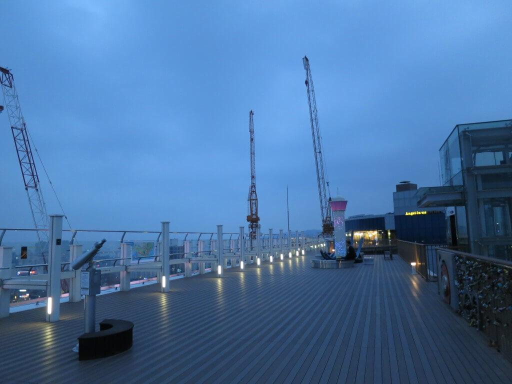 釜山の夜景は龍頭山公園ではなくビルの屋上!?