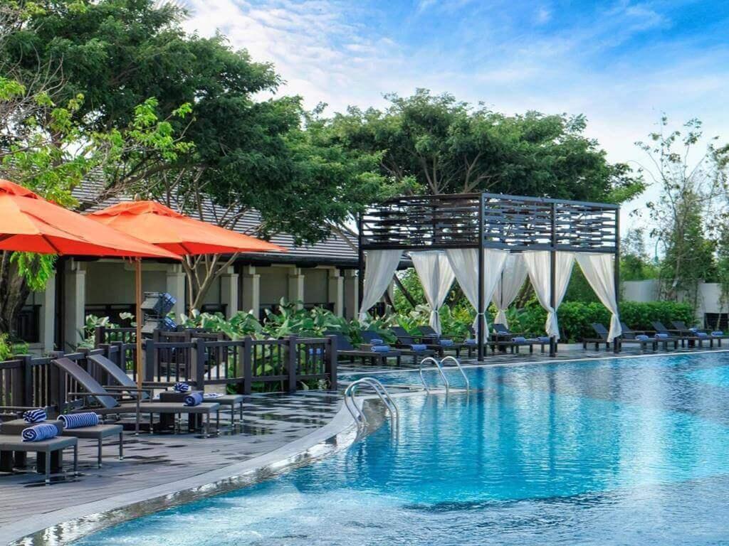クリムソン リゾート&スパ(Crimson Resort and Spa Mactan)は泡パーティーもあるセブ島のデイユース
