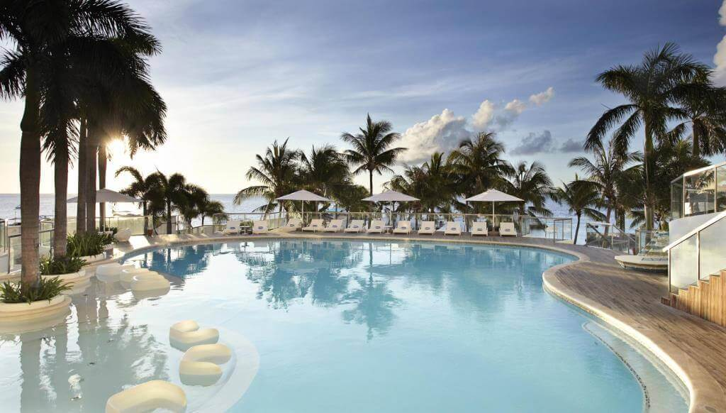 モーベンピックホテルマクタンアイランド(Movenpick Hotel Mactan Island)はDJライブや色々なショーがあるセブ島のデイユース