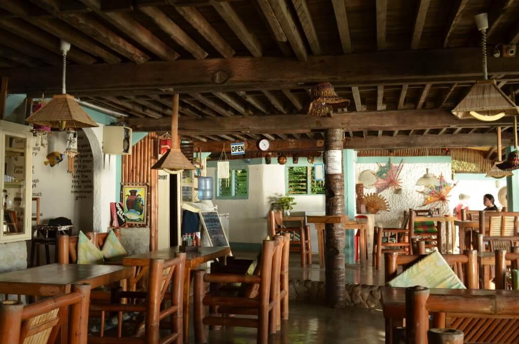 アポ島のおすすめ安宿ホテルのリバティーズロッジ(Liberty's Lodge)