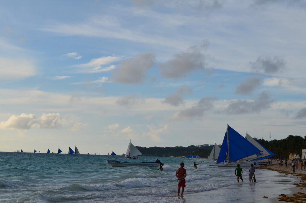 フィリピンのボラカイ島の行き方はカティクラン空港かカリボ国際空港に向かう