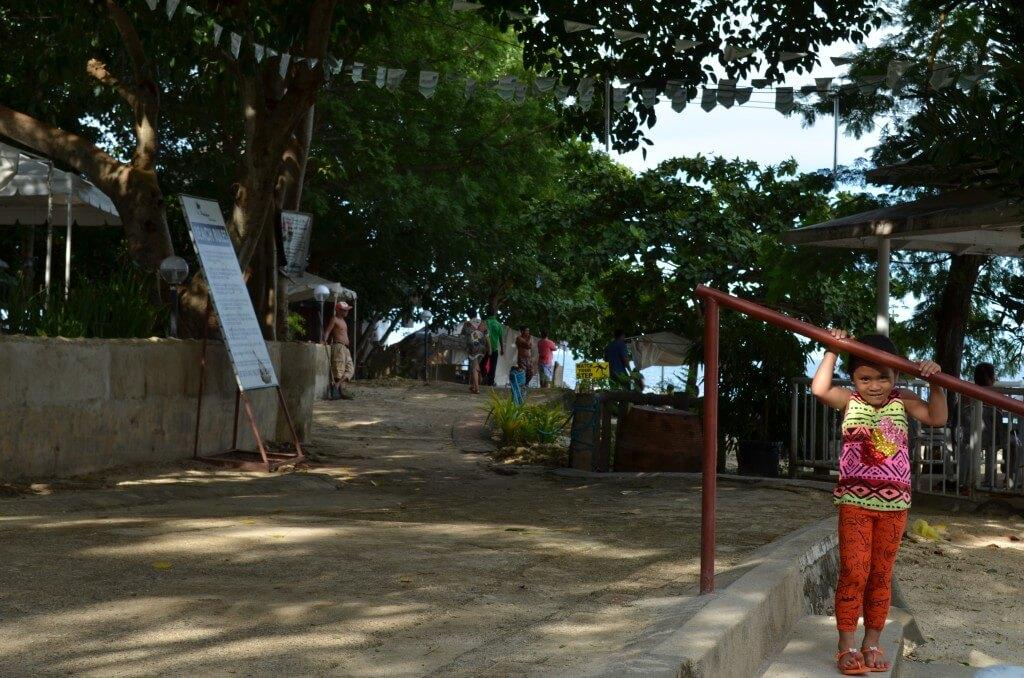 フィリピンでは蚊が年中発生していつでもマラリア、デング熱の脅威にさらされてますよ!!!