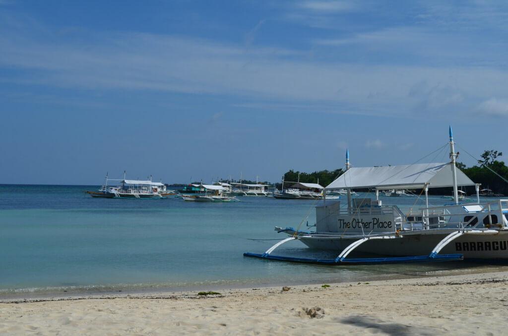 マラパスクア島 ホワイトサンド ビーチ