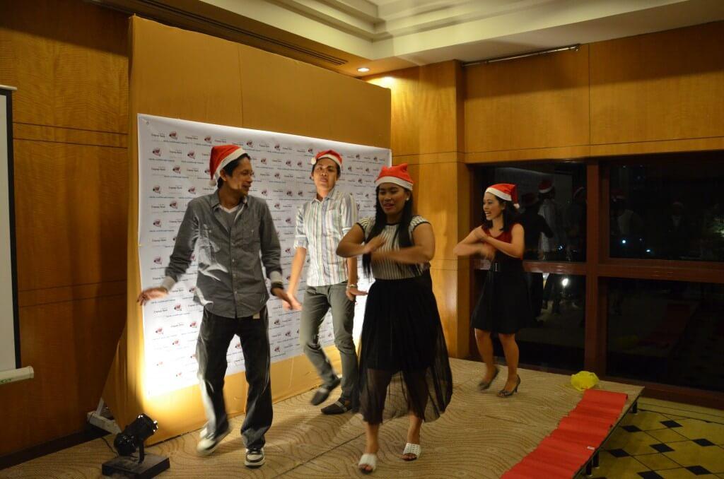 フィリピンの会社のクリスマスパーティーやアウティングに付きまとう催し物?グループイベント!