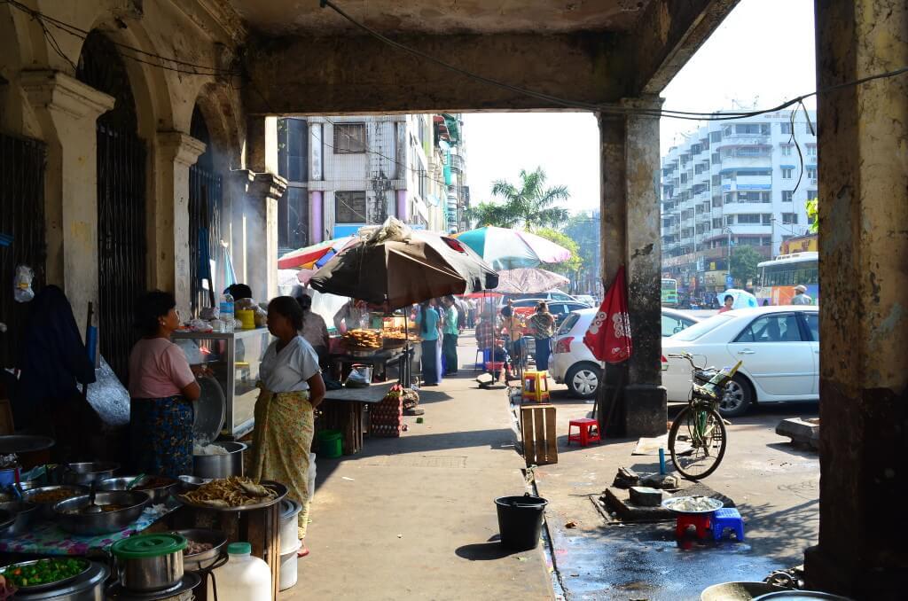 ミャンマー・ヤンゴン観光!街は賑わいミャンマー人の優しさに惚れた!