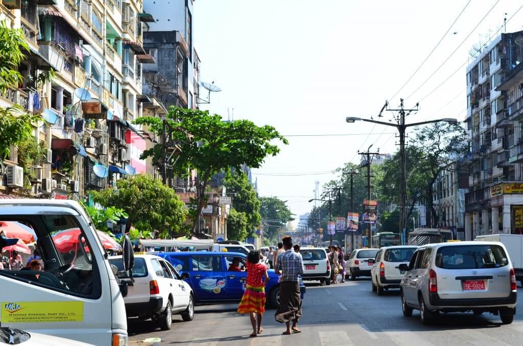 ミャンマー旅行でヤンゴン国際空港でやるべきミャンマーチャットへの両替事情やATMについて