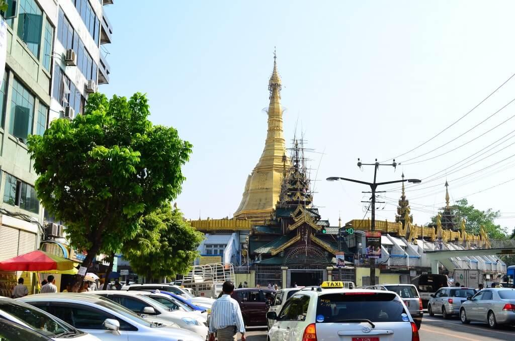 ヤンゴン観光はやはりパゴダ!パゴダって何!?