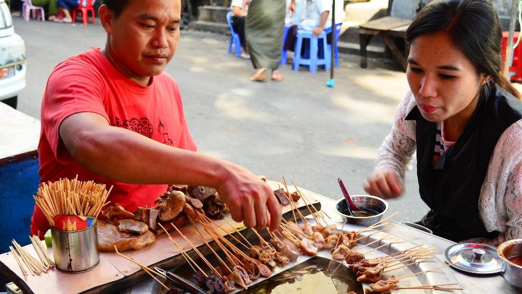 ミャンマーの治安は大丈夫?初めて旅行に行く人が気になる物価やミャンマー料理を紹介するよ