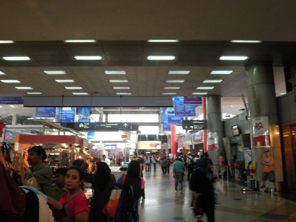 ミャンマー旅行!KLセントラル駅からクアラルンプール国際空港(KLIA2)行き方や空港泊について