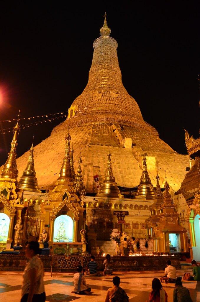 ヤンゴンの観光はやっぱり2大パゴダのスレーパゴダ・シュエダゴンパゴダ