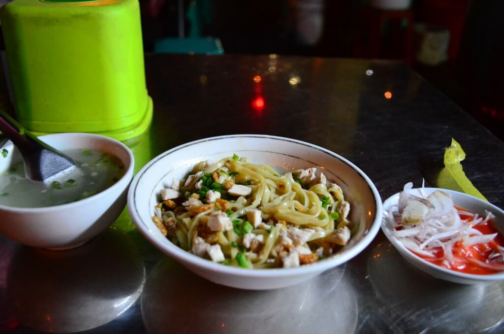 ヤンゴンの食事は日本食に屋台といっぱいあって物価も安い