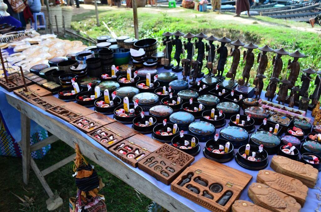 インレー湖の五日市は欲しいものがいっぱいでミャンマーお土産をゲットしよう