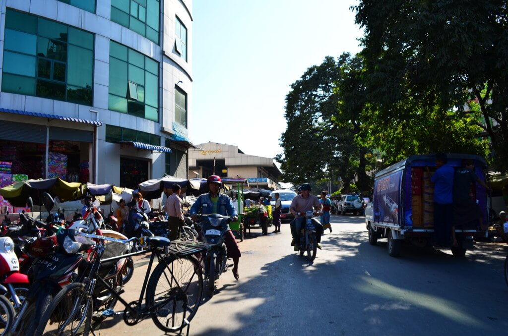 ミャンマーのマンダレーの風俗や夜遊びでKTVとマッサージ