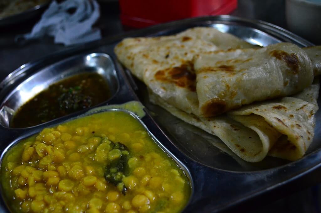 マンダレーでミャンマー料理?インド料理!?格安でチャパティーとカレーが食べれるよ!