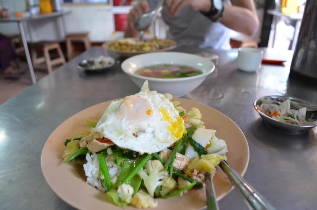 マンダレーにきたら中華料理!激ウマでボリュームいっぱいなのに格安です