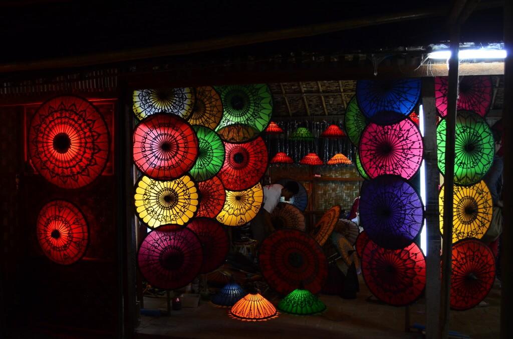 ニャウンウー バガン お土産 ミャンマー 傘