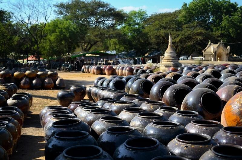 バガン遺跡 ミャンマー 壺