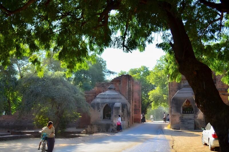 バガン遺跡 オールドバガン 「タラバー門」