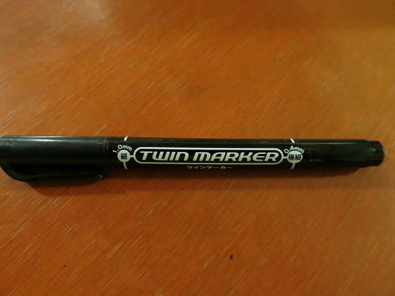 油性ペンは世界一周・海外旅行でホステルに泊まる時に役立つ持ち物