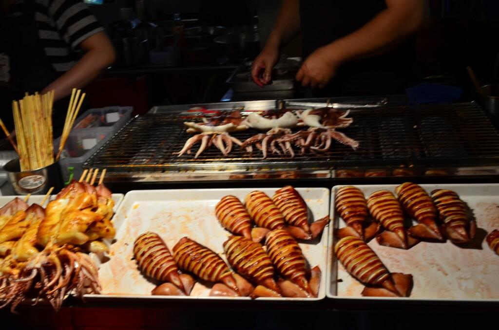 饒河街観光夜市のおすすめは胡椒餅?ほたてのグラタン焼き?焼きサーモンにタラになんといっても「マンゴーかき氷」!