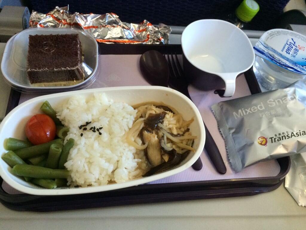 トランスアジア航空の機内食は?想像以上の味と豪華さだった!