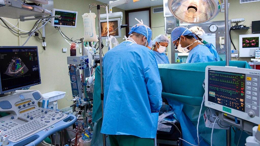 親父が心筋梗塞・狭心症で緊急カテーテル手術!費用や入院期間、症状は?