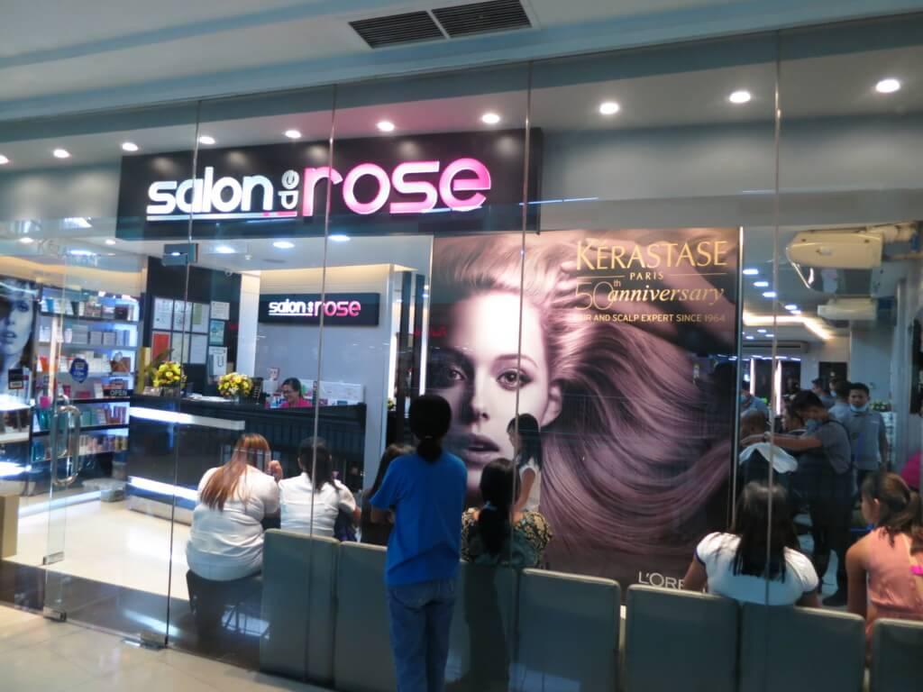 系列店がフィリピンのどこのモールにもある美容室「サロンデローズ(Salon de Rose)」