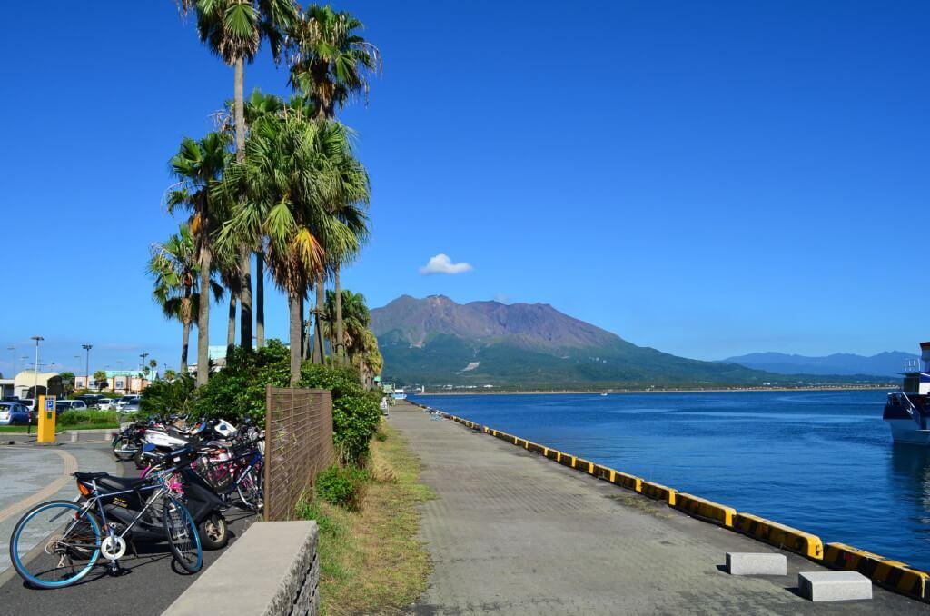 鹿児島観光で霧島は坂本龍馬とお龍の日本初の新婚旅行(ハネムーン)の地「天逆鉾(あまのさかほこ)」