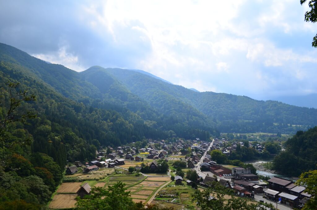 白川郷 合掌造りの家 世界遺産 岐阜 飛騨高山